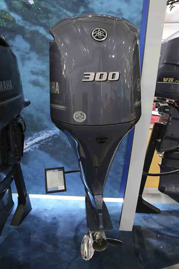 2018 300 HP Outboard motors for sale-4 stroke Yamaha Suzuki