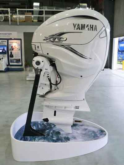 Yamaha 425hp outboards sale-4 stroke 30'' shaft LXF425USA2